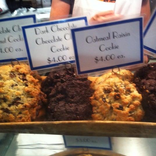 7/8/2012에 Steve T.님이 Levain Bakery에서 찍은 사진