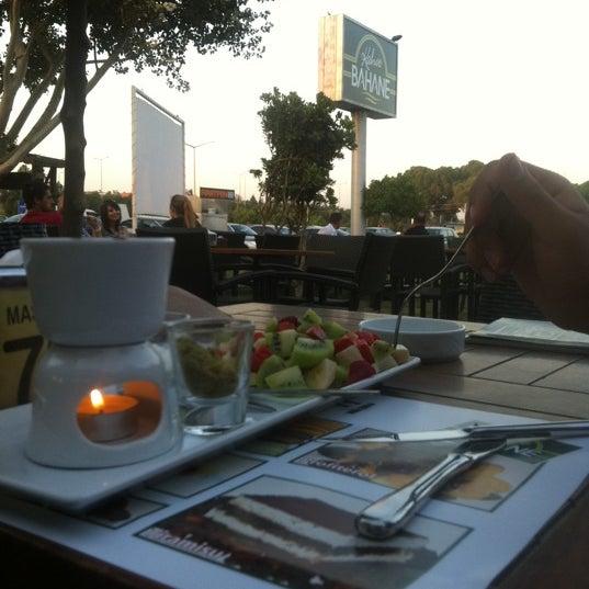 Foto tomada en Kahve Bahane por Zeliha - Mehmet Ali G. el 6/18/2012