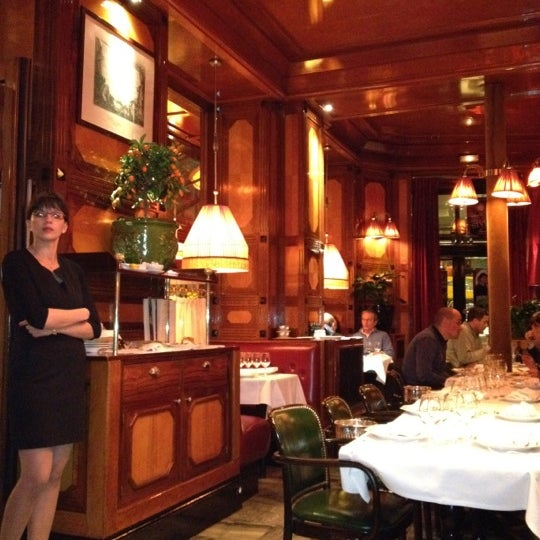 Photo taken at Le Bistrot du Dôme by Raffaele C. on 4/15/2012