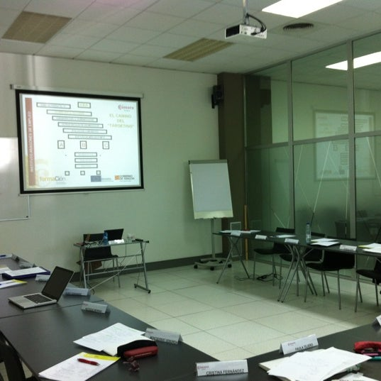 Foto tomada en Cámara de Comercio e Industria por Carmen U. el 5/10/2012