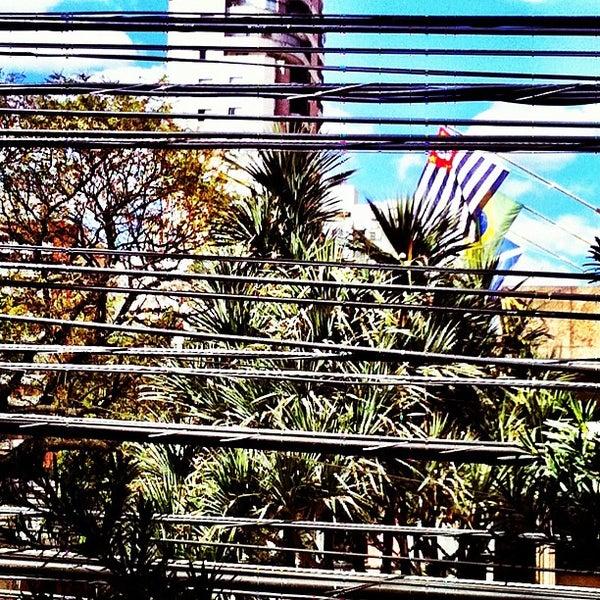Foto tirada no(a) MullenLowe Brasil por Tatiana S. em 8/13/2012