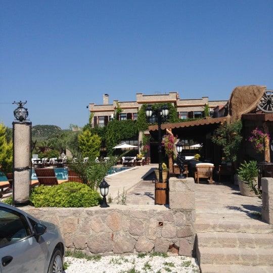 6/15/2012 tarihinde Sertac Burak B.ziyaretçi tarafından Club Albena Otel'de çekilen fotoğraf