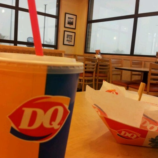 Photo taken at Dairy Queen by Najd A. on 4/16/2012