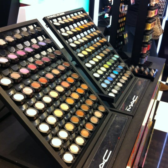 Photo taken at MAC Cosmetics by Iva L. on 3/8/2012