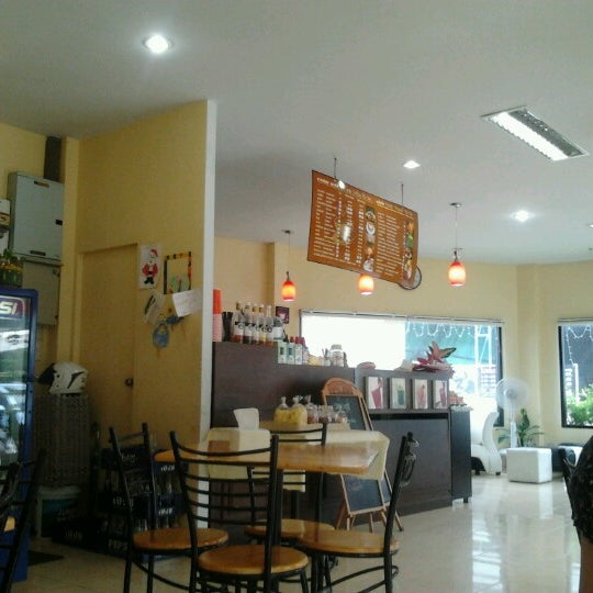 Photo taken at Coffee Bla Bar by Angel A. on 6/19/2012