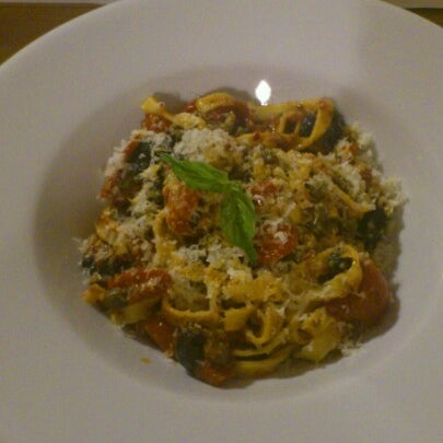 8/10/2012 tarihinde Murat T.ziyaretçi tarafından Semolina Kafe & Restoran'de çekilen fotoğraf