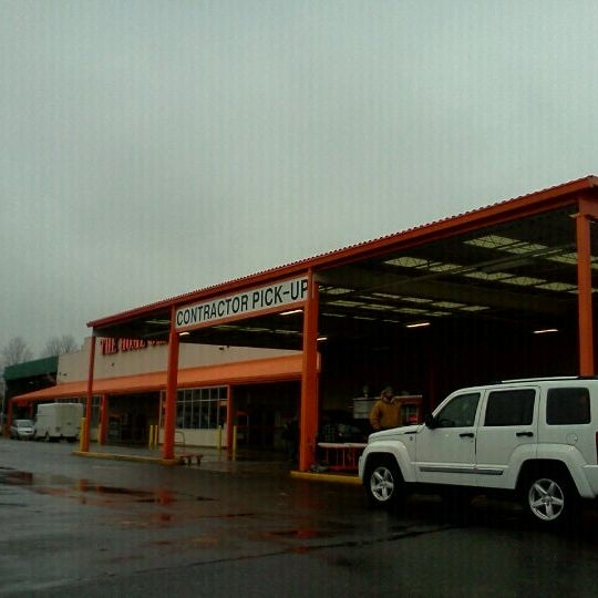 The home depot hardware store in jamaica for Home depot 600 exterior street