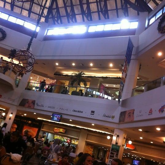 Foto tirada no(a) Via Parque Shopping por Felipe M. em 11/15/2011
