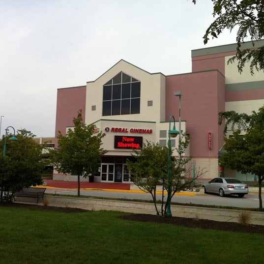 Photo taken at Regal Cinemas Fairfax Towne Center 10 by GreatStoneFace on 8/2/2011