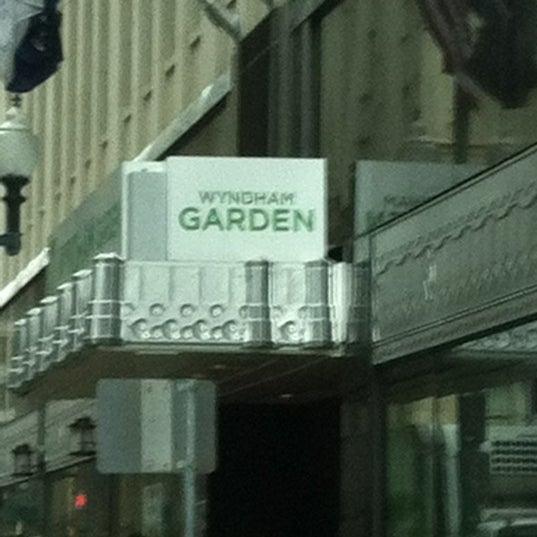 Wyndham Garden Hotel Baronne Plaza - Hotel in Central Business District