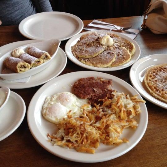 Foto tirada no(a) Original Pancake House por Magnum M. em 6/5/2012
