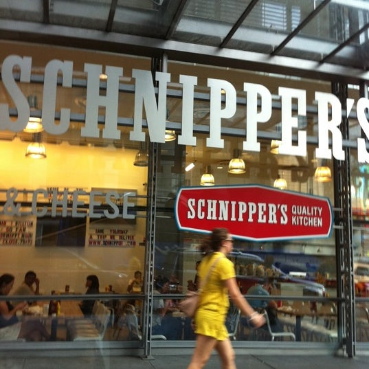 Photo taken at Schnipper's Quality Kitchen by Myrth S. on 8/7/2011