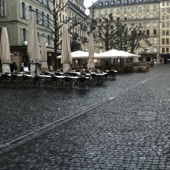 4/15/2012にGuidoneがPlace du Molardで撮った写真