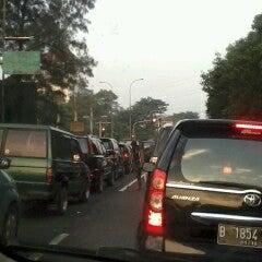 Photo taken at Lampu Merah Cawang by Amri faizal z. on 7/29/2012
