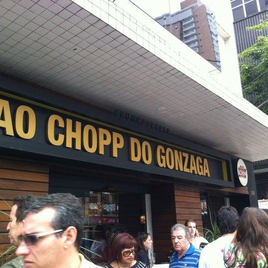Foto tirada no(a) Ao Chopp do Gonzaga por Marcio Y. em 2/12/2012