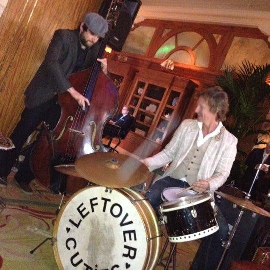 รูปภาพถ่ายที่ Casa Del Mar Hotel โดย Chris เมื่อ 4/28/2012