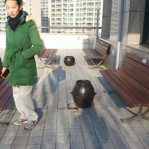 Photo taken at 삼성생명 휴먼센터 by Rosalyn P. on 12/11/2011