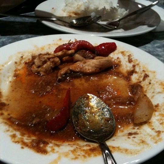 Photo taken at Taste of Thai by Steffy Giovanni G. on 9/17/2011