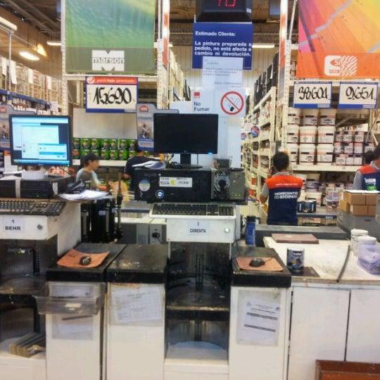 Photo taken at Homecenter Sodimac by Fernando A. on 2/22/2012