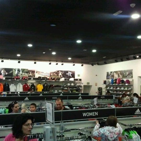 tienda adidas mora de rubielos horario 2012