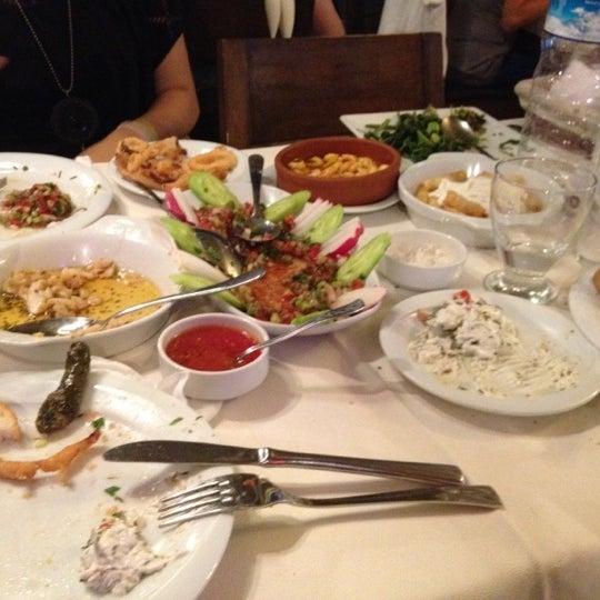7/28/2012 tarihinde Hande H.ziyaretçi tarafından Cunda Deniz Restaurant'de çekilen fotoğraf