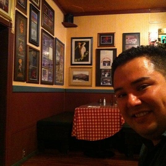 Photo taken at Milano Pizzeria by Choi R. on 3/31/2011
