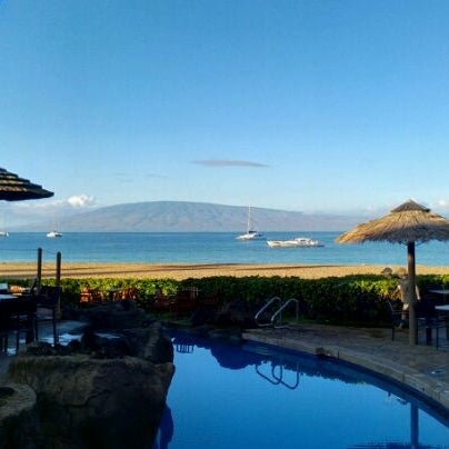 Photo taken at Sheraton Maui Resort & Spa by Thomas H. on 12/14/2011