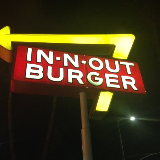 Photo taken at In-N-Out Burger by Brittney on 9/3/2012