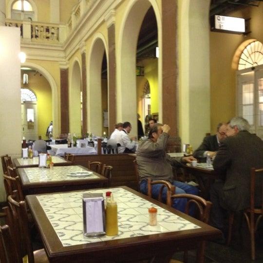 Foto diambil di Gambrinus oleh Ronald B. pada 6/19/2012