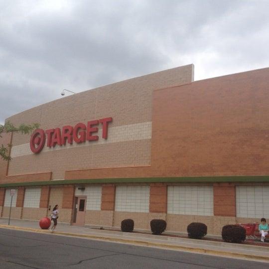 Photo prise au Target par Neville E. le6/14/2012
