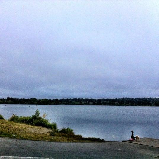 Photo taken at Green Lake Boathouse by Erik B. on 7/27/2012