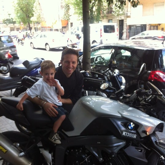 Foto tomada en Via Dei Mille por Richard H. el 5/26/2012