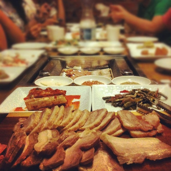 Photo taken at Ola! Barbeque Garden by Weng Hoe L. on 9/2/2012