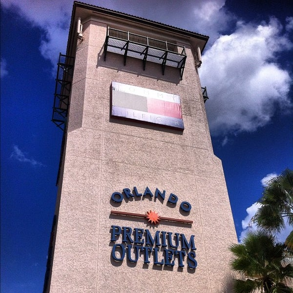 Photo taken at Orlando Vineland Premium Outlets by Albraa J. on 8/20/2012