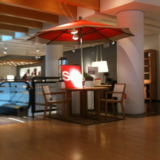 Photo taken at Crate and Barrel by Gauge A. on 7/16/2012