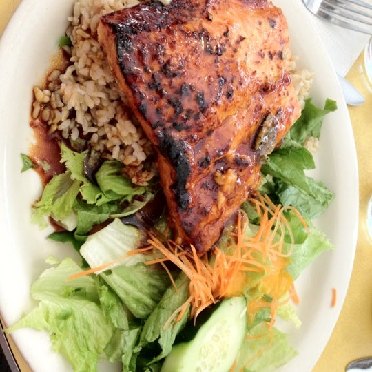 Photo taken at Mooncake Foods by Yosuke H. on 8/7/2012