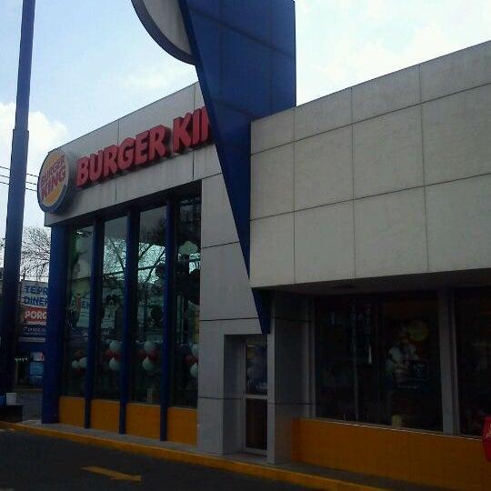 Photo taken at Burger King by Rodrigo Z. on 3/10/2012