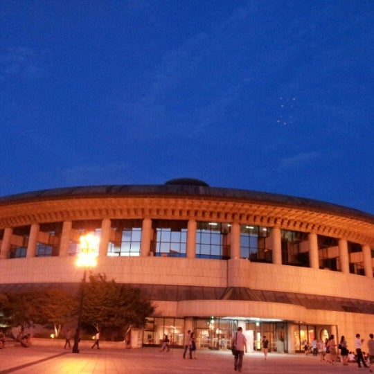 Photo taken at Seoul Arts Center by Park J. on 8/26/2012
