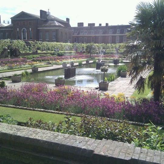 Photo taken at Kensington Gardens by John on 5/13/2012
