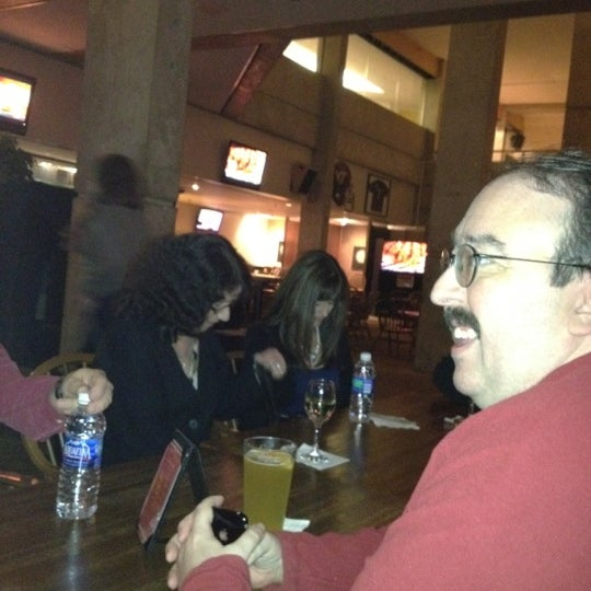Das Foto wurde bei Black Olive Sports Bar von David A. am 11/5/2011 aufgenommen
