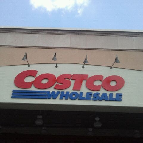 Photo taken at Costco Wholesale by Heon L. on 4/11/2012