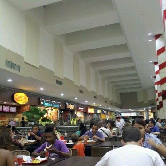 Foto tirada no(a) Partage Shopping São Gonçalo por Bruno R. em 12/9/2011