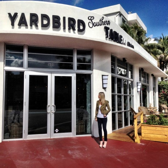 Photo taken at Yardbird Southern Table & Bar by ChatChowTV G. on 11/12/2011