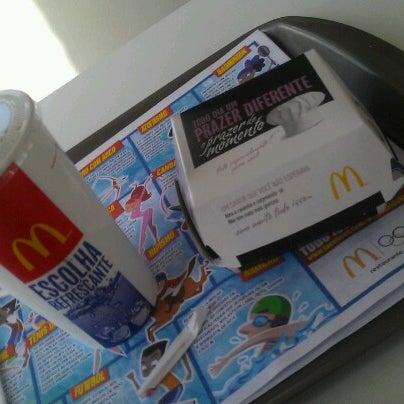 Photo taken at McDonald's by Eduardo A. on 7/26/2012