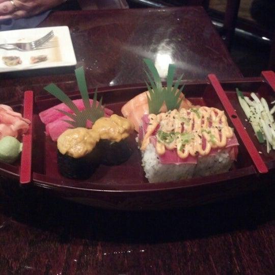 Photo prise au Sushi O Bistro par Megan E. le7/21/2012