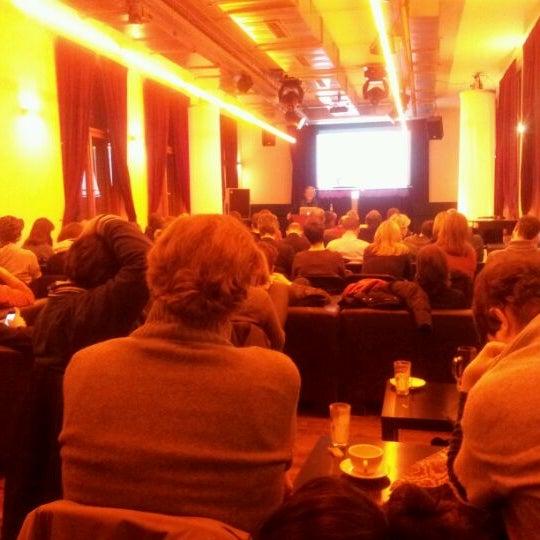 Das Foto wurde bei Frannz Club von Roomsurfer B. am 2/1/2012 aufgenommen