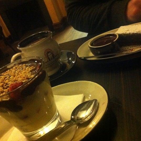 Foto diambil di Chocolateria San Churro oleh Tracey H. pada 8/2/2011