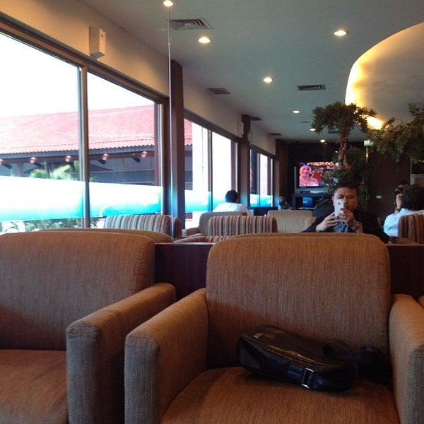 Photo taken at Citibank Lounge by Gede B. M. on 5/20/2012