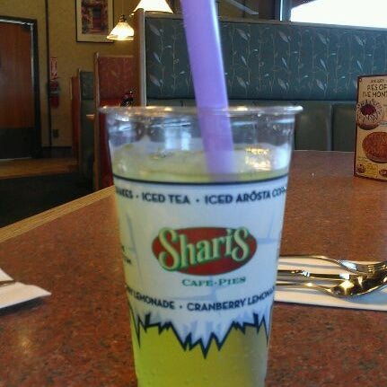 Photo taken at Shari's Cafe and Pies by Kendra E. on 1/29/2012