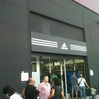 adidas outlet mora